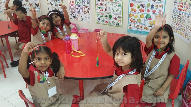 Class Nursery - Necklace Making Activity - 2015-2016